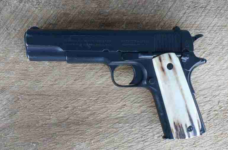 Colt 1911 Just like new on sell